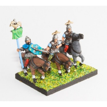 Ancient British / Gallic: Command: Mounted Chieftains & Standard Bearer