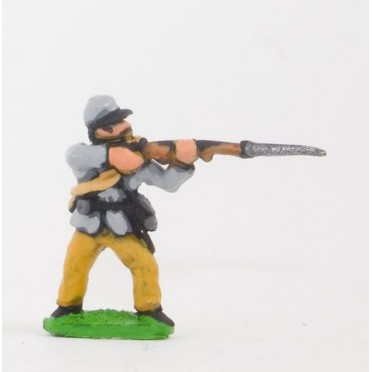 Union or Confederate: Infantry in Kepi & Tunic, with blanket roll: Firing (fixed bayonet)