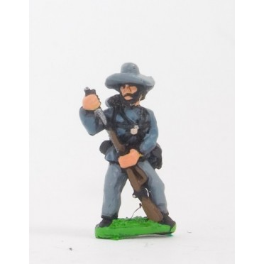 Union or Confederate: Infantry in Slouch Hat & Tunic with full pack and equipment:Loading
