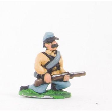 Union or Confederate: Infantry in Kepi & Tunic, with blanket roll: Kneeling