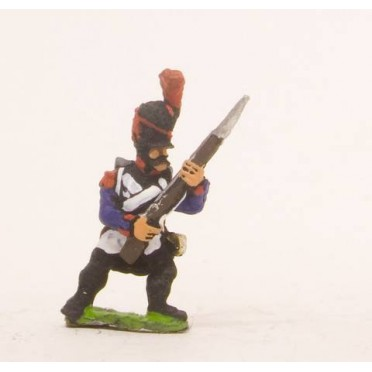 French: Line Infantry 1793-1806: Grenadier in Bicorne, advancing with Musket at 45 degrees