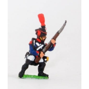 French: Line Infantry 1806-1812: Grenadier in Shako, advancing with Musket at 45 degrees